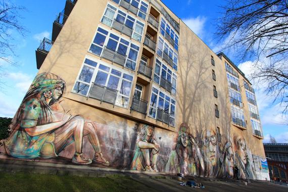 2015-03-05-1425559006-6927278-AlicePasquini_Berlin_2014_photoJessicaStewart5.jpg