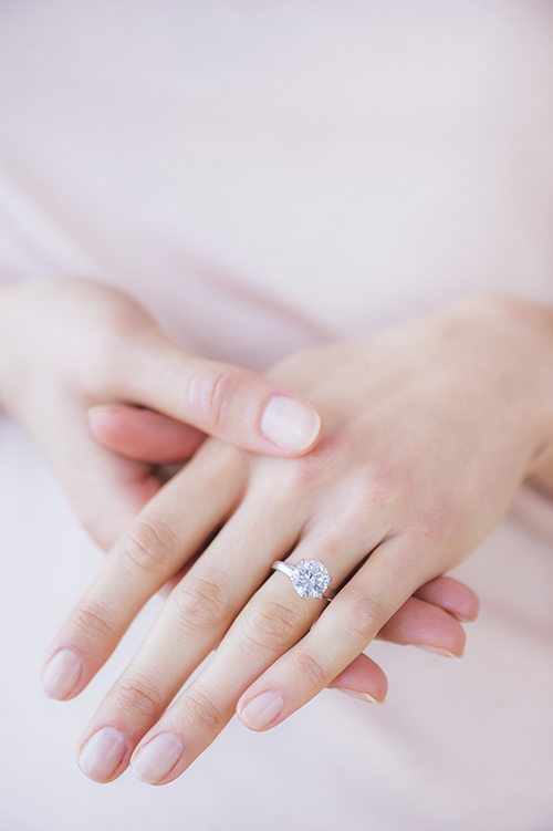5 times you really should take your engagement ring off - How Do You Wear Your Wedding Rings