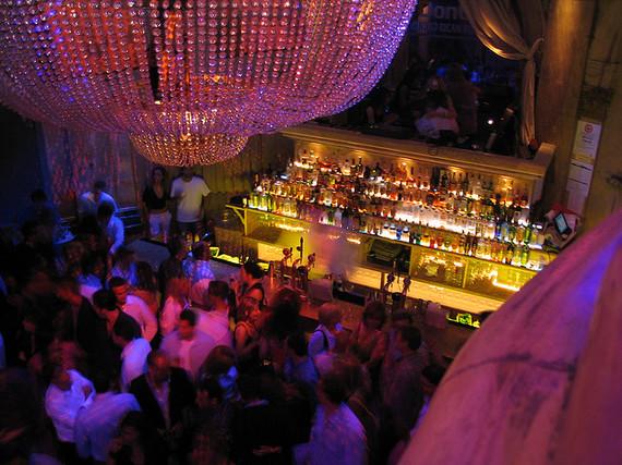 2015-03-10-1426016976-7151913-nightclub.jpg