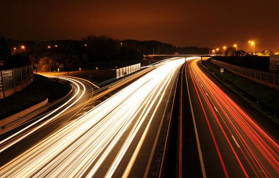 2015-03-12-1426183987-1944519-Automobile_light_trails_720.jpg