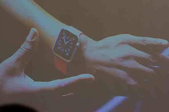 2015-03-16-1426510251-1095557-AppleWatch.jpg