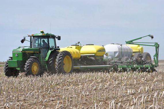 2015-03-17-1426591402-1114114-tractor.jpg