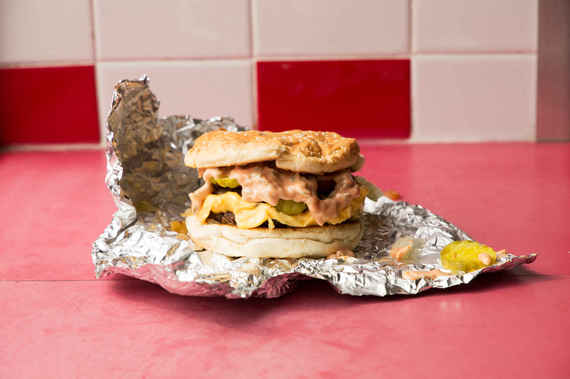 2015-03-17-1426601684-4713498-FiveGuys_2.jpeg