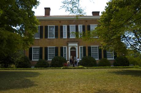 2015-03-17-1426631022-3995383-My_Old_Kentucky_Home_Courtesy_Bardstown_CVB.jpg