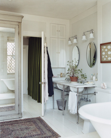 13 Design Tricks for Small Bathrooms | HuffPost on
