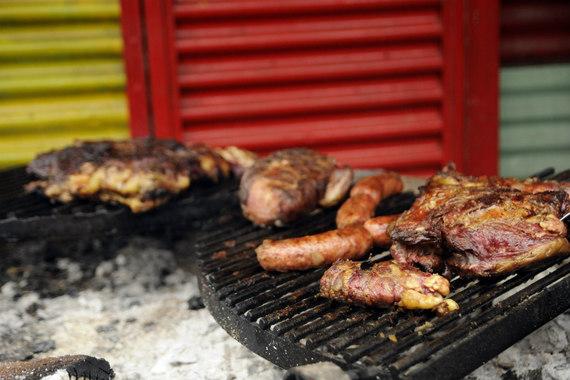 2015-03-18-1426710793-784175-BuenosAiresasadomeatbarbecue.JPG