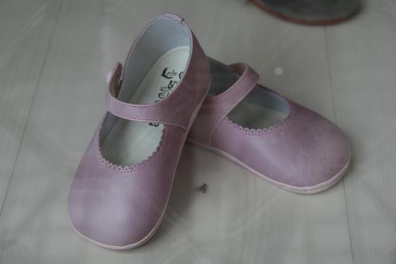 2015-03-19-1426771572-6872839-shoes.JPG