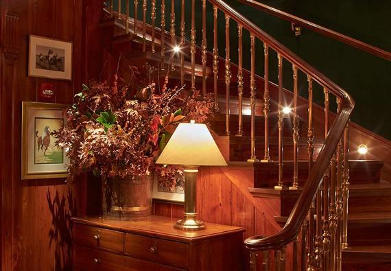2015-03-20-1426859223-7353569-polo_bar_gallery_staircasefs_02.jpg