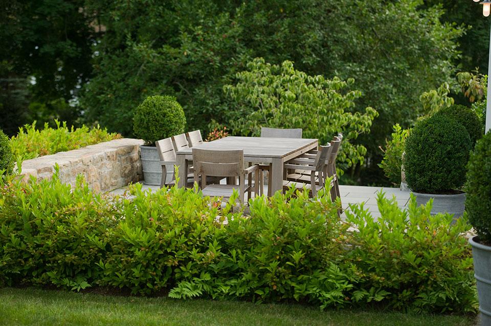 6 expert tips for getting your backyard ready for summer for Landscape design associates