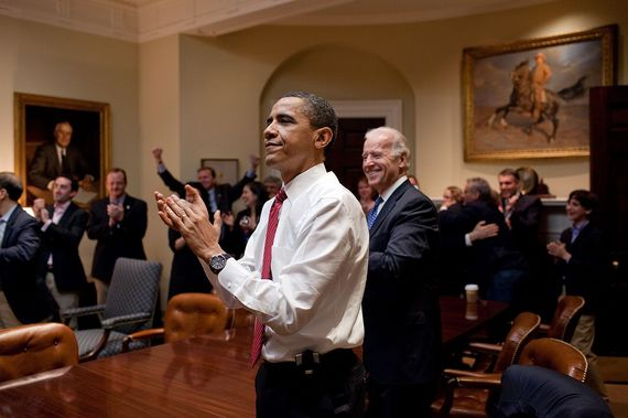 2015-03-23-1427137864-6641370-1280pxBarack_Obama_reacts_to_the_passing_of_Healthcare_bill.jpg