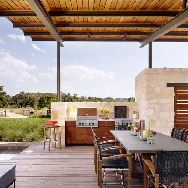 Secrets to designing the ultimate outdoor kitchen huffpost for Outdoor kitchen pavilion designs
