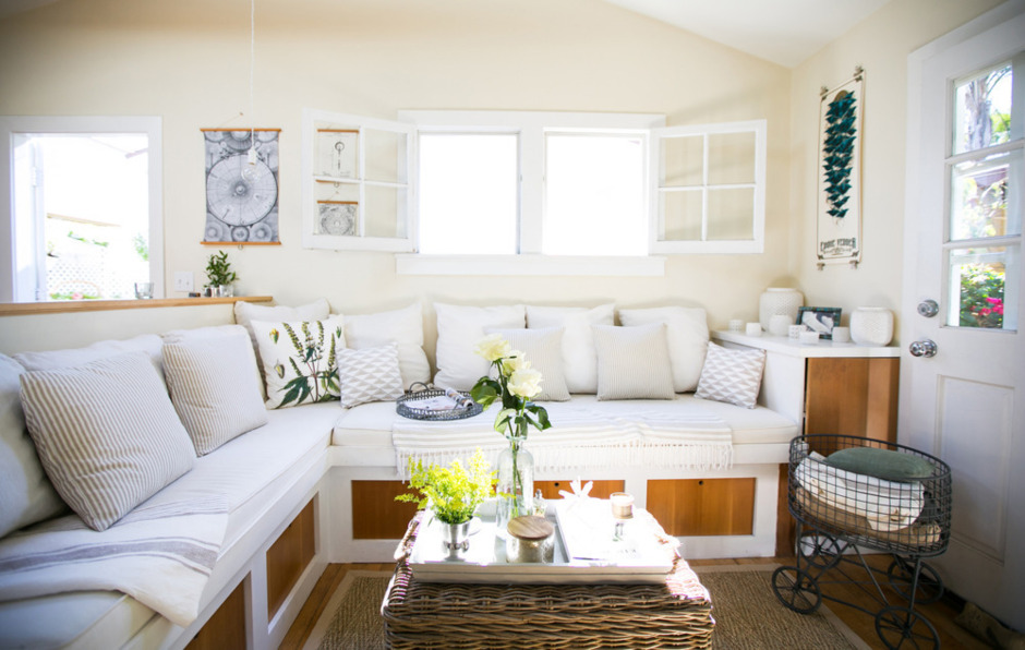 Living in a Gorgeous 362-Square-Foot Canal Cottage | Domino