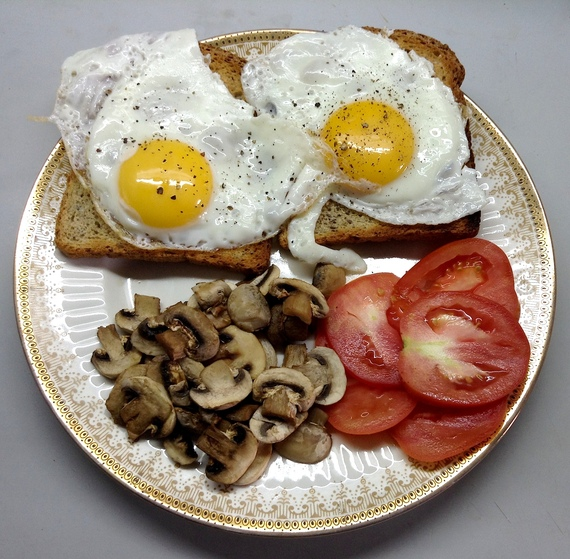 2015-03-26-1427367826-9422217-Friedeggsontoast.JPG