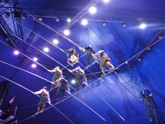 2015-03-27-1427468021-5491558-circus.JPG