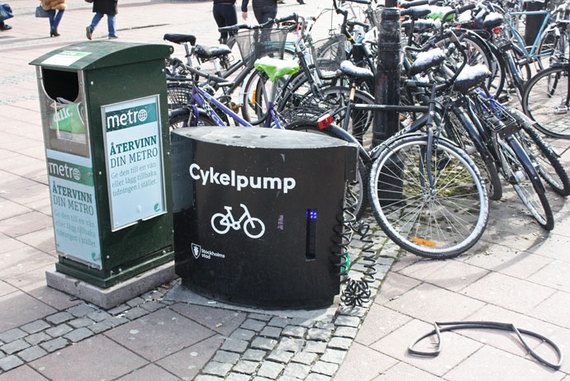 2015-03-27-1427474585-3452820-bikepumpsinstockholm.jpg