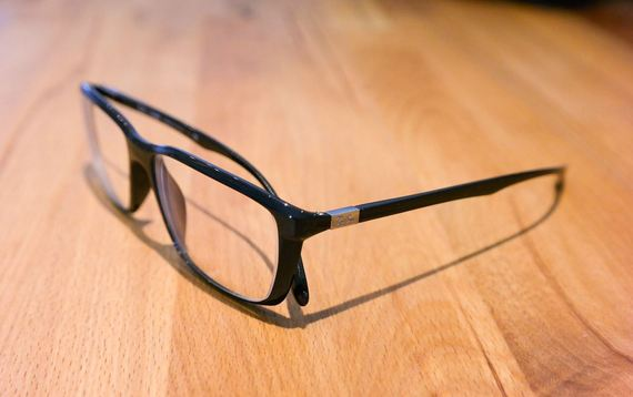2015-03-27-1427477802-8886986-glassesweb.jpg