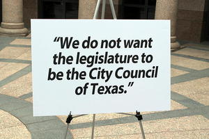 2015-03-28-1427556250-6760563-leg_city_council_tx.jpg