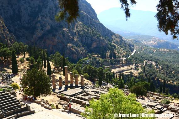 2015-03-30-1427735402-4677513-Delphi.jpg