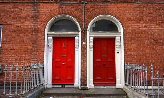 2015-03-30-1427743018-7649235-DublinDoor1.jpg & A Colorful Look Behind the Doors of Dublin | HuffPost pezcame.com