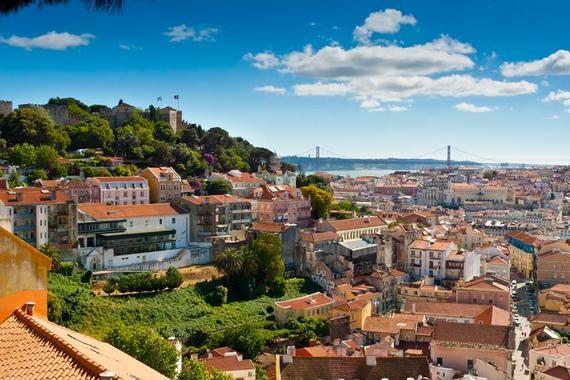 2015-03-31-1427829542-7506212-Lisbon_shutterstock_132637358_800x.jpg