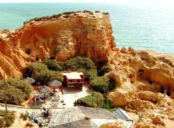 2015-03-31-1427831935-4086982-AlgarveBeachBig.jpg