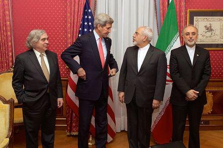2015-04-03-1428084196-359454-Bilateral_Nuclear_Talks__Ernest_MonizJohn_KerryMohammad_Javad_ZarifAli_Akbar_Salehi.jpg