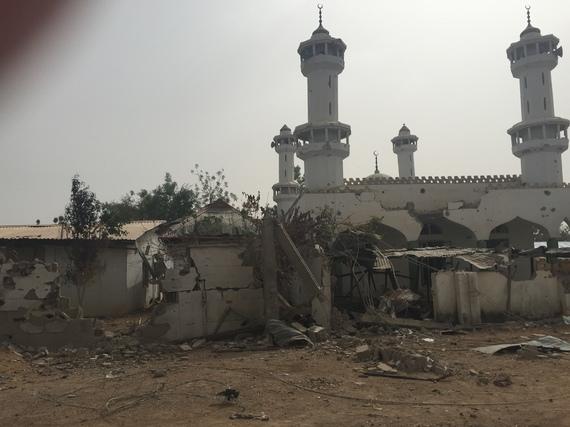 2015-04-04-1428123277-4304176-mosque.jpg