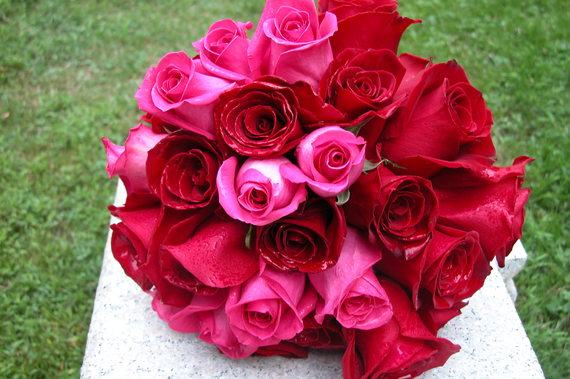 2015-04-04-1428164635-7439583-redpinkrosebouquet73008007.jpg