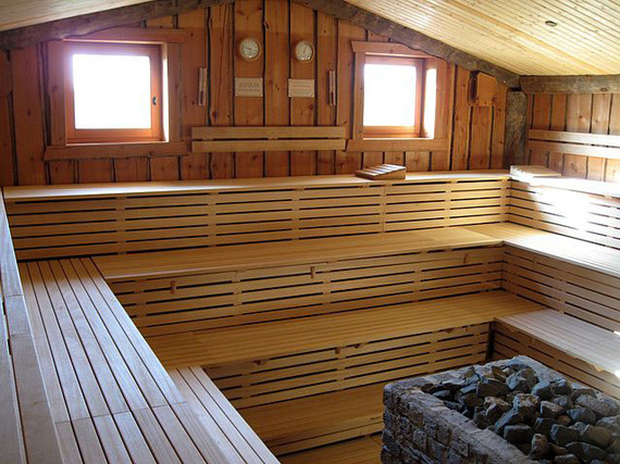 2015-04-07-1428414214-9411963-sauna.jpg