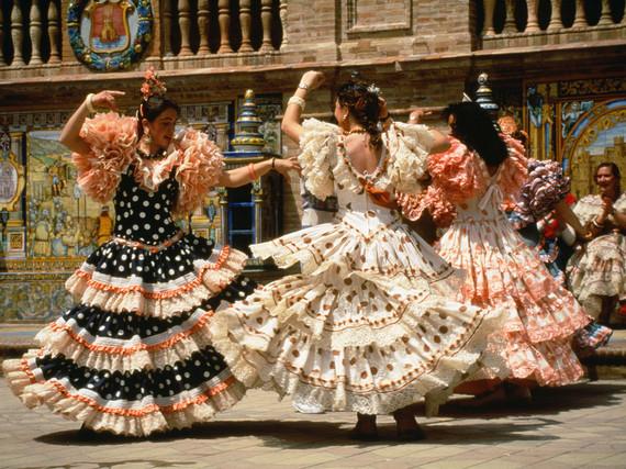 2015-04-09-1428606699-7714858-9551322bdb3bb9e3c5584f343_flamencoshowsevillespain.jpg