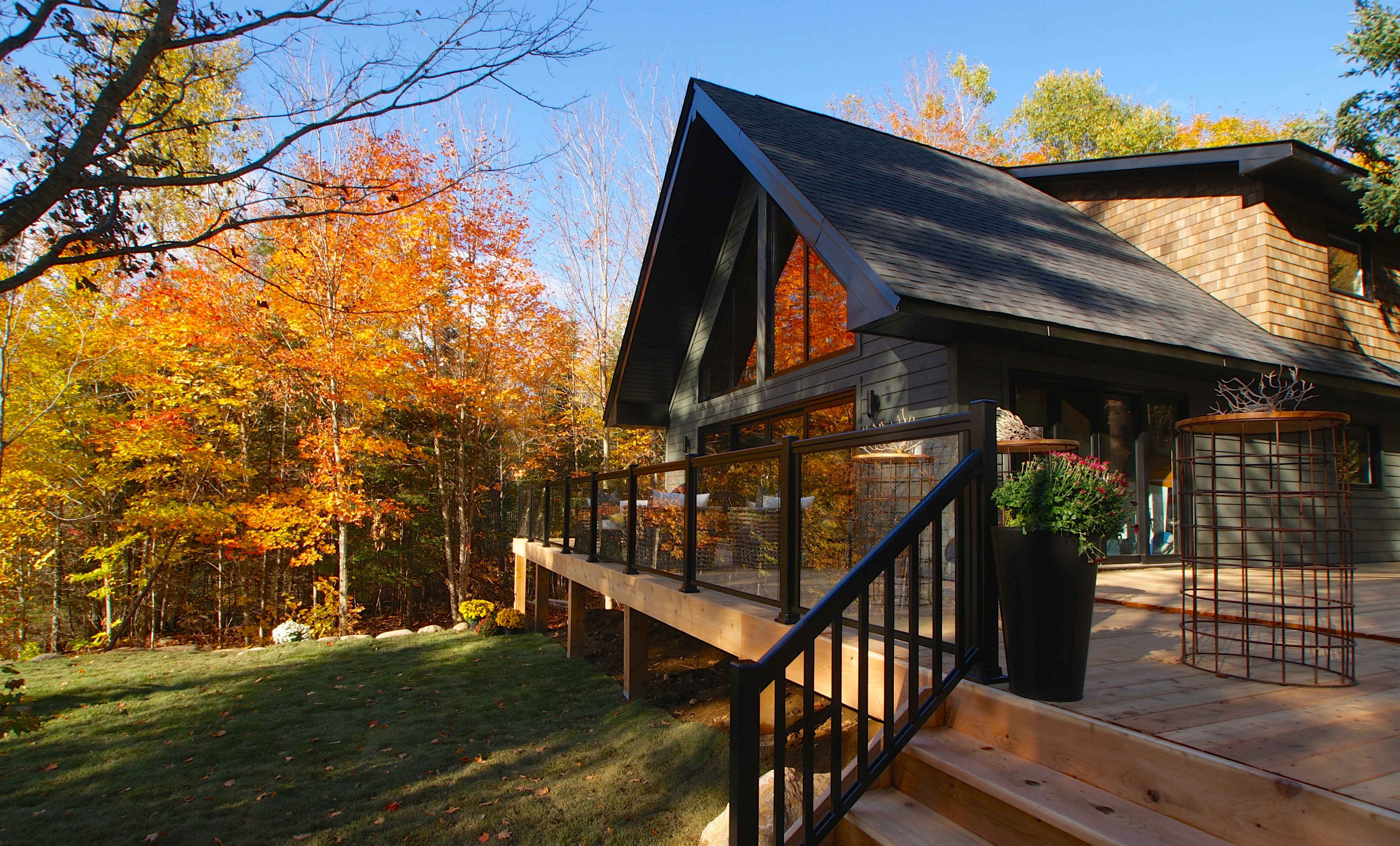 Creating The Perfect Deck And Landscape Huffpost Canada