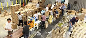 2015-04-12-1428882357-3907515-Foodbankwork.jpg