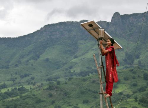 2015-04-13-1428940202-9684633-India_OffGrid_Solar_XL_500_367.png