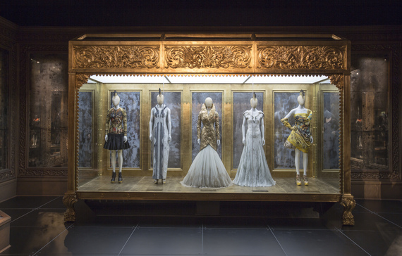 2015-04-13-1428941308-5804586-3._Installation_view_of_Romantic_Gothic_gallery_Alexander_McQueen_Savage_Beauty_at_the_VA_c_Victoria_and_Albert_Museum_London.jpg