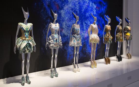 2015-04-13-1428941879-7022146-10._Installation_view_of__Platos_Atlantis_gallery_Alexander_McQueen_Savage_Beauty_at_the_VA_c_Victoria_and_Albert_Museum_London.jpg