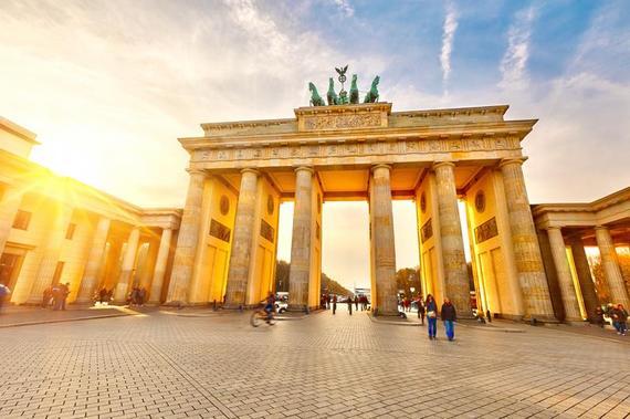 2015-04-14-1429023853-5707718-Berlin_shutterstock_108284315_800x.jpg
