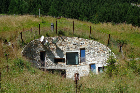5 Houses Built Into Hills That Ll Convince You To Move