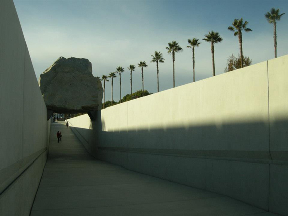2015-04-16-1429195726-3946635-LevitatedMass.jpg