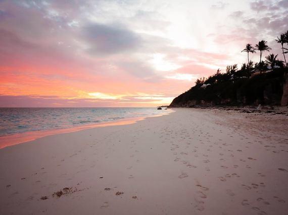 2015-04-16-1429205558-322839-Bermudabeach_SusieTindall_2.jpg
