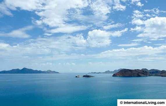 2015-04-18-1429375326-5405075-SeaofCortezMexico.jpg