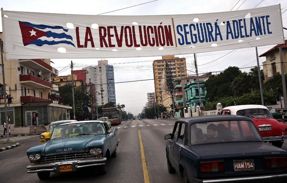 2015-04-21-1429616377-5750937-revolucion.jpg