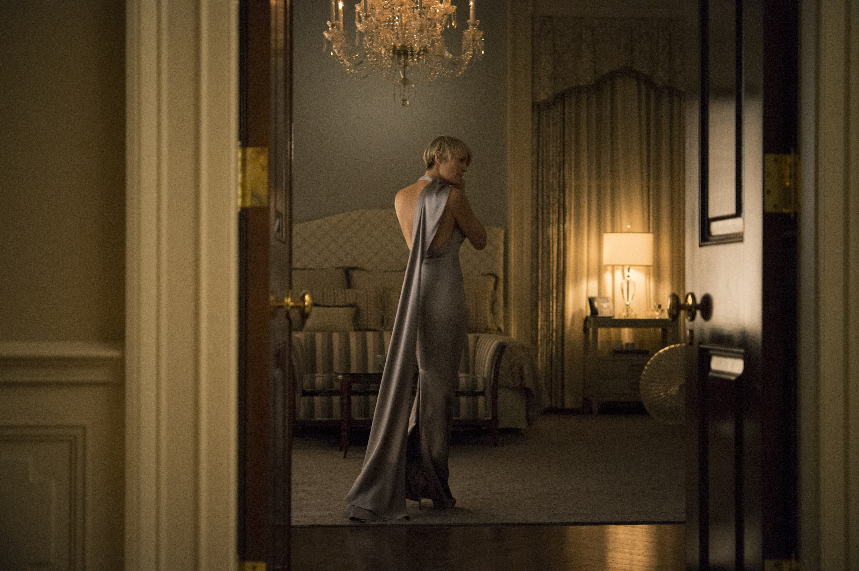 Claires black gloves - Robin Wright S House Of Cards Style A How To Guide From Her Stylist