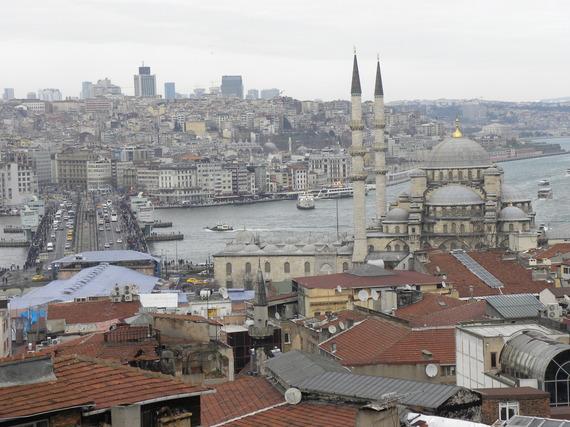 2015-04-23-1429797638-1124953-Istanbullong.JPG