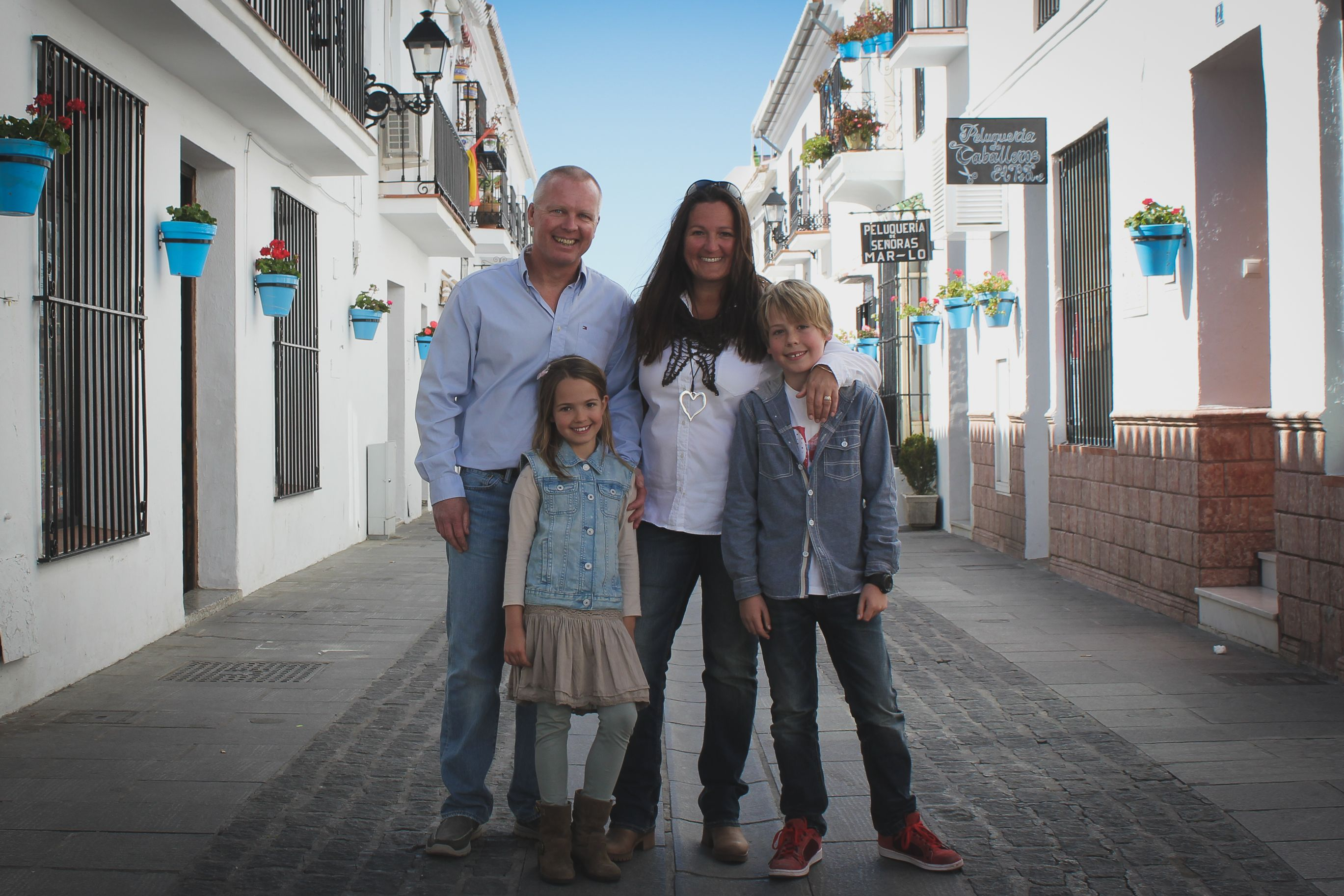 'Moving To Spain With Children' By Lisa Sadleir, A Review