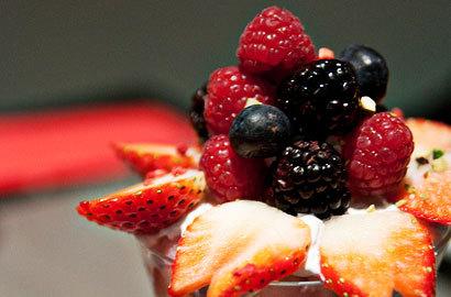2015-04-23-1429819690-2316961-berryparfait.jpg