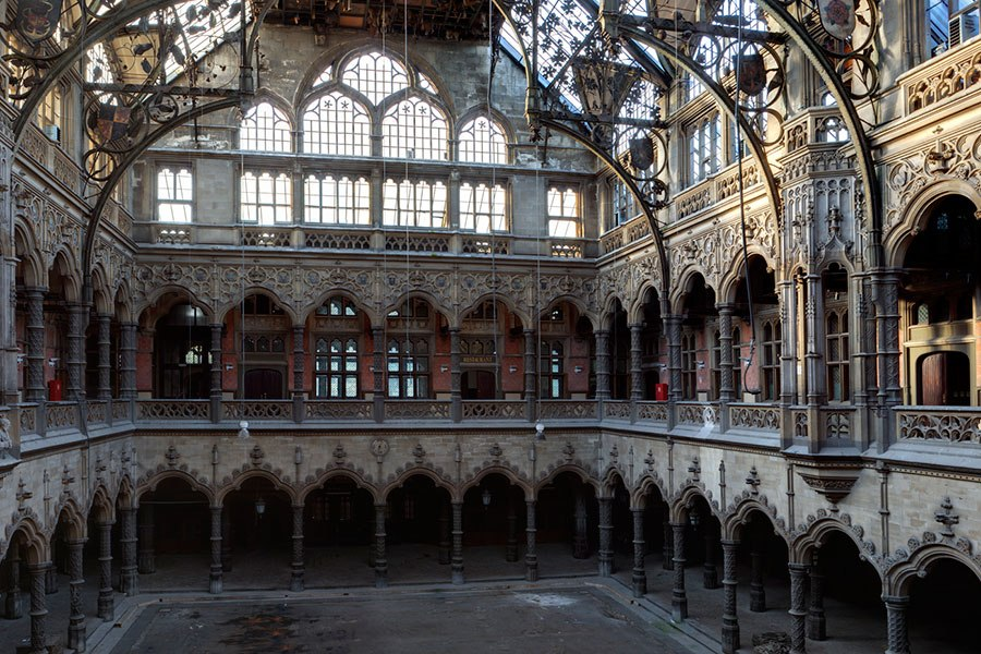 12 beautiful abandoned buildings that only got better with for Chambre de commerce de bordeaux