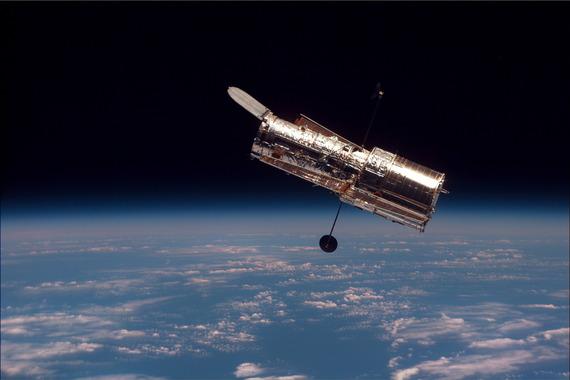 2015-04-24-1429907859-3022683-Hubble_01.jpg