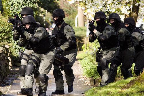 2015-04-27-1430135609-9851425-swatteam.jpg