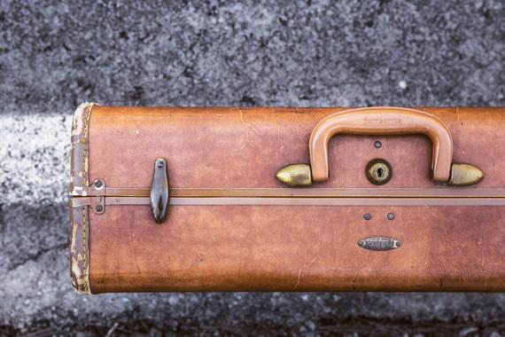 2015-04-28-1430221611-5711362-briefcase.jpg