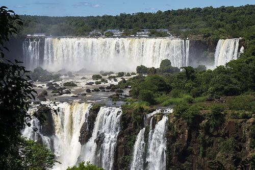 2015-04-28-1430239746-7306106-Paraguaywaterfalls.jpg